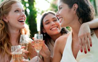wine-drinking-women